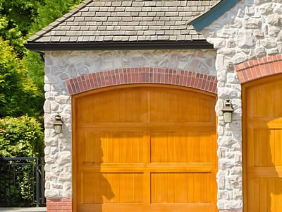 new-residential-garage-door